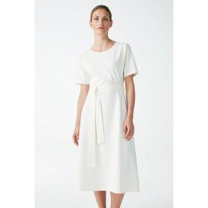 COS有机棉连衣裙
