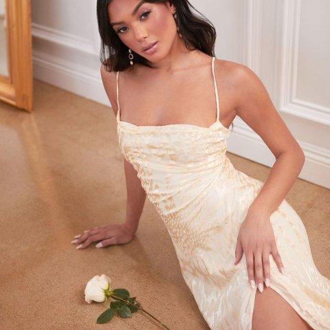 Nordstrom 精选甜蜜美裙热卖 蕾丝连衣裙$19 ,印花吊带裙$22