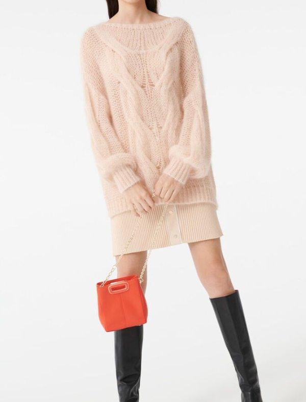 毛绒粉嫩毛衣