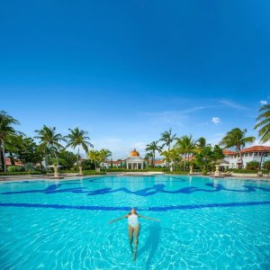 Up to 65% OffSandals & Beaches Resorts Brrrring on the sun