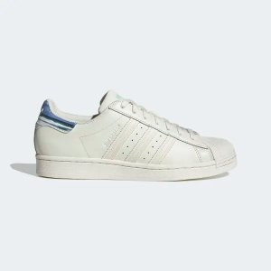 AdidasSuperstar 复古小白鞋