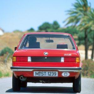 终极驾驶机器的进化之路44年回顾 BMW 3系轿车历代图鉴(上)