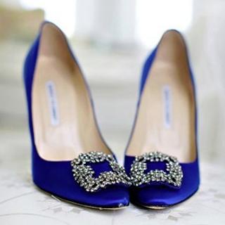 最高立减$200  收婚鞋最佳时机Manolo Blahnik 女士鞋履热卖  入经典钻扣缎面高跟鞋