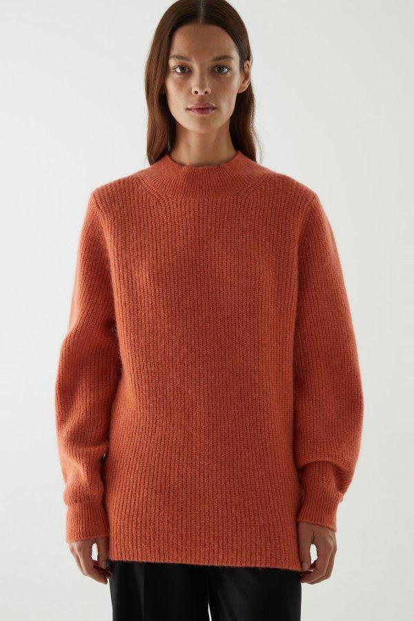 橘色羊绒毛衣