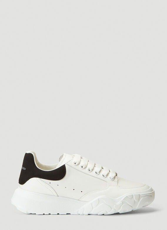 厚底小白鞋