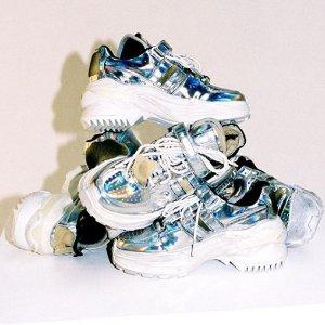 低至3折 €191收大热PVC包Maison Margiela 帅气极简风美鞋、美包热卖 超帅踝靴Get起来