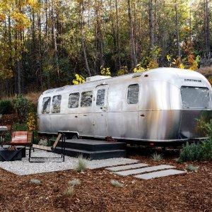 每晚$189起AutoCamp 优胜美地国家公园豪华房车、帐篷露营