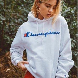低至41折 £35收卫衣、£20收长袖T恤折扣升级:Champion 潮服热卖 潮牌里的爆款冠军 你值得拥有