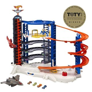 Hot Wheels Super Ultimate Garage Playset @ Amazon