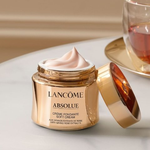 Free Full Size GiftLancome Selected Skincare Sale