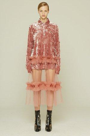 粉红色纯粹礼服