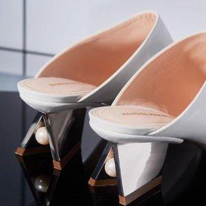 7.5折!$367经典款穆勒抱回家Nicholas Kirkwood 时髦私卖 收经典平底和优雅珍珠系列