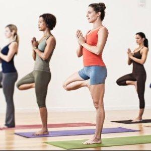 $13.43(原价$18.69)BalanceFrom GoYoga 高密度防滑耐磨瑜伽垫+便携带 红色