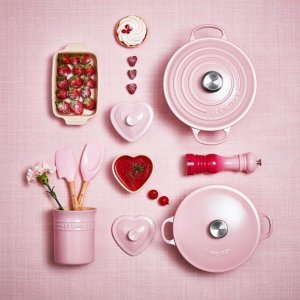 Free ShippingSelect Pink Le Creuset Cookware on Sale @ Le Creuset
