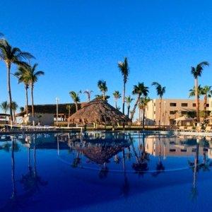 低至$499墨西哥洛斯卡沃斯4晚机票+酒店套餐 入住一价全包Holiday Inn