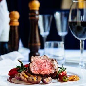$49 (原价$107) 和ta的烛光晚餐墨尔本 Jasper Kitchen 四星级酒店双人晚餐团购
