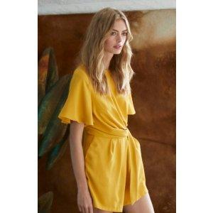 Molly Bracken黄色连体衣