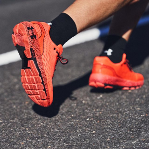 低至5折 运动鞋€55起收Under Armour官网 季中大促 收专业运动装备