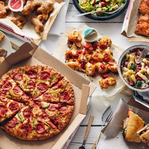 披萨全线半价Domino's 正价菜单披萨限时特卖