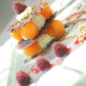 双人套餐€79(原价€110)The Argenteuil Farm 米其林餐厅双人套餐限时优惠 约会好去处