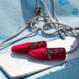 低至4折 $35收卡通款TOMS官网 冬季美鞋热卖 收经典加绒款