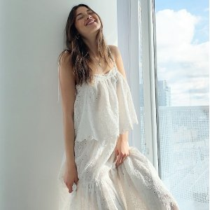 低至3折 V领娃娃裙$39Aritzia 折扣区春夏上新 封面上衣、半裙都有