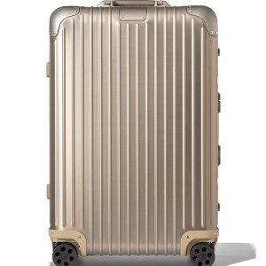 Up to $2000 Gift CardBergdorf Goodman with Rimowa Purchase
