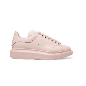 定价优势超划算 £360入手麦昆小白鞋上新热卖 粉色款新鲜出炉