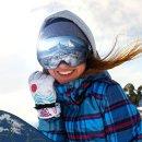 $17.99(原价$47.99)手慢无:ENKEEO 防雾防紫外线滑雪护目镜 中性款
