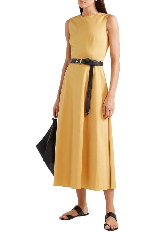 淡黄色连衣裙