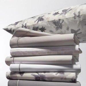 $79.99 (原价$250) 3.2折Vera Wang 梦幻优雅棉缎床上用品4件套