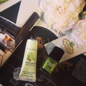 Buy 2 get 1 hand care product free+ extra 10% off Avacado, Olive & Basil Ultra-Moisturising Hand Therapy @ Crabtree & Evelyn