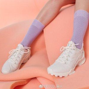 3.9折起 樱花粉真皮休闲鞋$99Ecco 浅色鞋 日常搭配率百分百 倪妮、王楚然同款$159