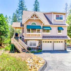 Starting at $231/nightYosemite Vacation Home With 4 Bedrooms