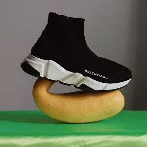 低定价优势 一律$580收Balenciaga 新配色袜子鞋热卖,多色可选