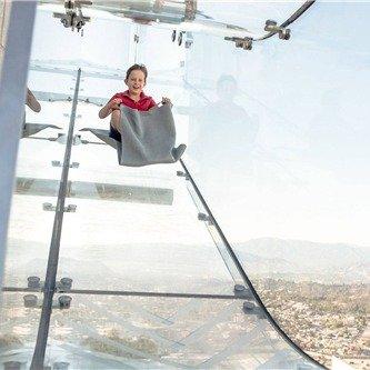 洛杉矶OUE Skyspace:加州露天观景台、360度洛杉矶全景、互动式体验(可升级体验悬空玻璃滑梯)