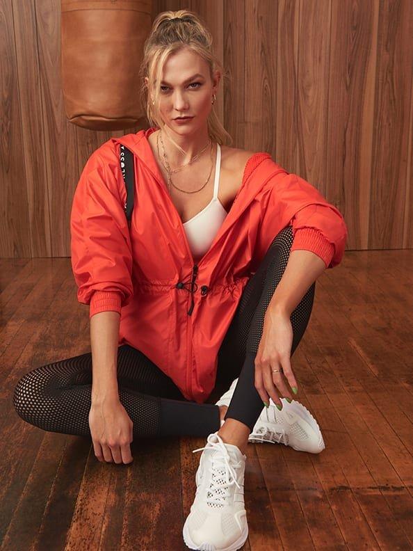Karlie Kloss 高腰透视legging