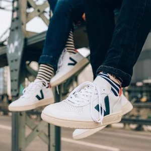 新用户立享85折 收明星们都爱的小白鞋Veja 法国新晋街头潮鞋折扣热卖