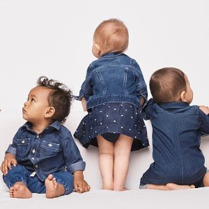 全场6折 额外9折 折扣区可叠加GAP 官网长周末促销热卖中 收超可爱童装 宝宝服