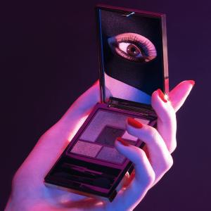 现价$36 (原价$60)YSL官网 精选限定黑鸦片5色眼影6折热卖 人群中不一样的星