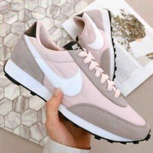 Up to 70% OffSSENSE Nike Sale