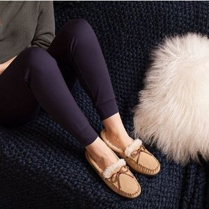 Up to 50% Off+ Donated Slippers with every pair purchasedThe Entire Site @ Dearfoams
