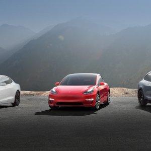 入门版$34,850(总价$42,900)早买早享受 晚买有折扣 Tesla Model 3 再次降价