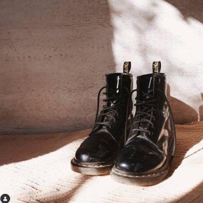 低至5折 彩虹偏光双肩包£110Dr.Martens 英国官网大促 马丁靴、切尔西靴热卖