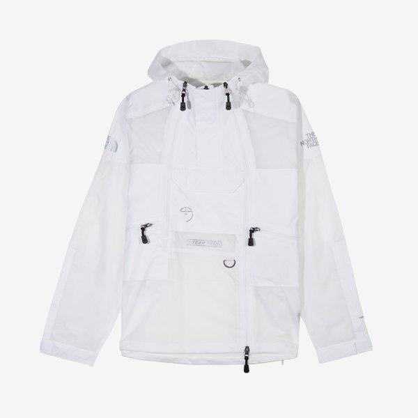 白色冲锋衣