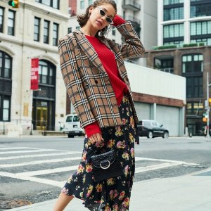 低至3折 $59.99收羊绒衫Bloomingdales 精选AQUA 新款美衣超低价热卖 $24收连衣裙