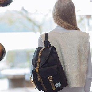 低至5折 双肩包经典款也有折Herschel Supply Co.包包热卖 开学季入新包