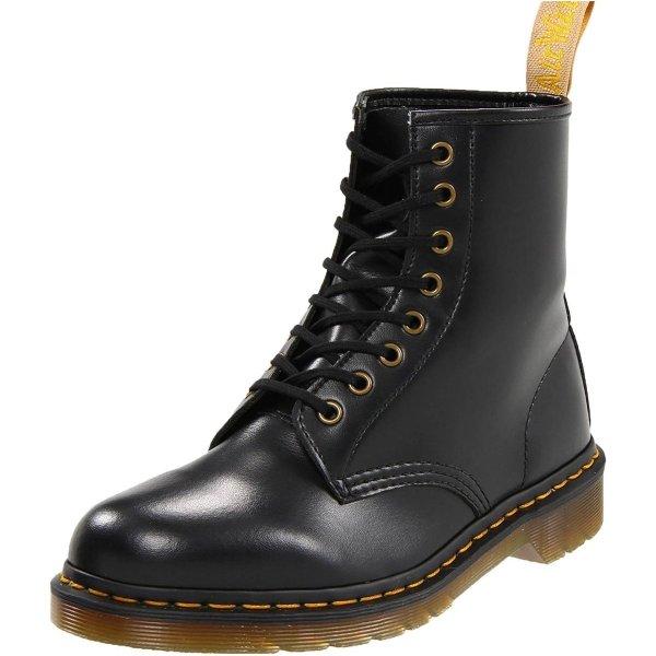 黑色经典马丁靴