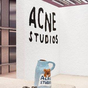 低至5折 收夏日超清新配色Acne Studios 服饰配饰热卖 笑脸T恤$90,Logo围巾$124