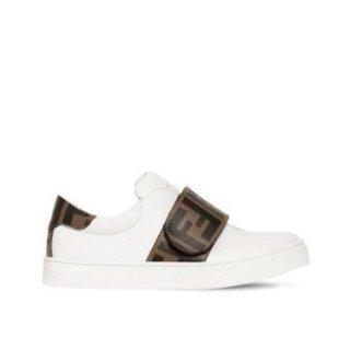 满额8.8折 £242起收封面小白鞋补货:FENDI 大童装童鞋折扣上线 封面小白鞋最大39 码齐